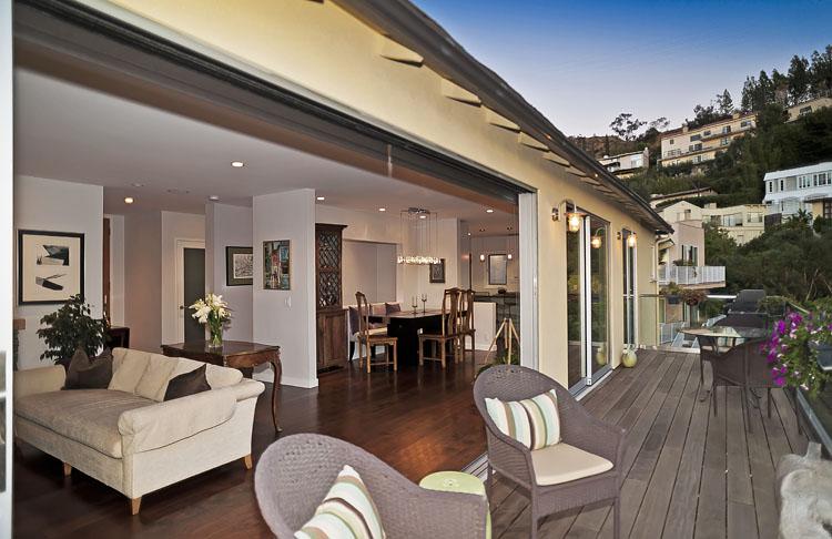 <b>SOLD</b><br>1660 Sunset Plaza Dr<br>Hollywood Hills<br>Offered at $1,699,000