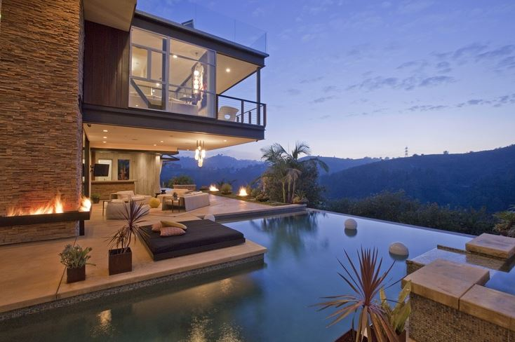 Great Time to Sell: L.A. Homes Inventory Extremely Low; Luxury Home Prices at All-Time High