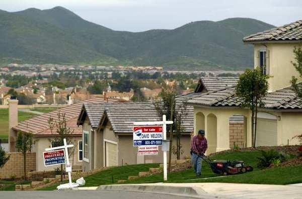 House-hunting? Hurry. Homes in California are moving faster