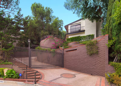 LEASED9305 Beverly Crest Dr Beverly HillsOffered at $11,750